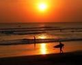 keindahan-pantai-dengan-sunset-di-kuta.jpg