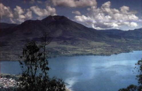 http://wisata-bali.com/wp-content/uploads/2011/04/gunung_batur.jpg