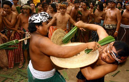 Perang Pandan di Bali